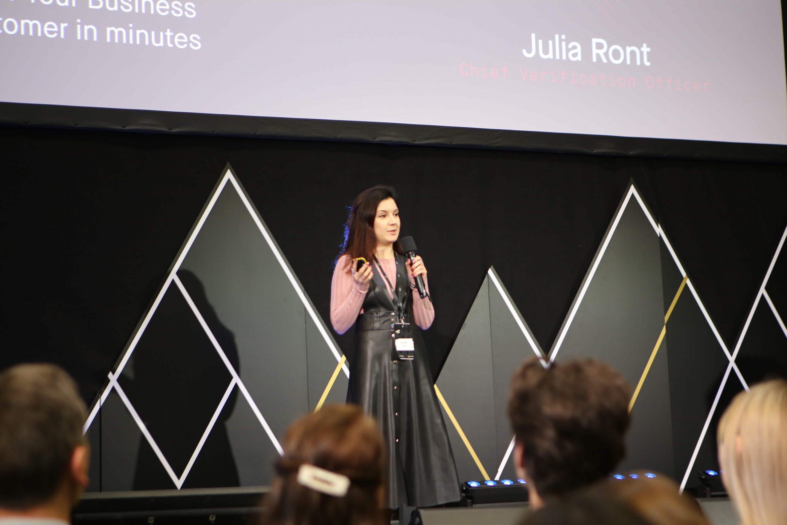 Julia Ront